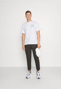 GAP - GRAPHIC  - Print T-shirt - optic white - 1