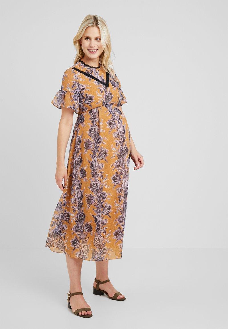 Hope & Ivy Maternity - FLORAL SHORT SLEEVE DRESS - Maxi šaty - orange