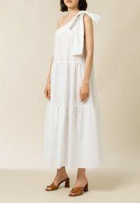IVY & OAK - Maxi dress - bright white - 2