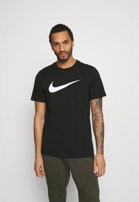 Nike Sportswear - TEE ICON - T-shirt med print - black/white - 0