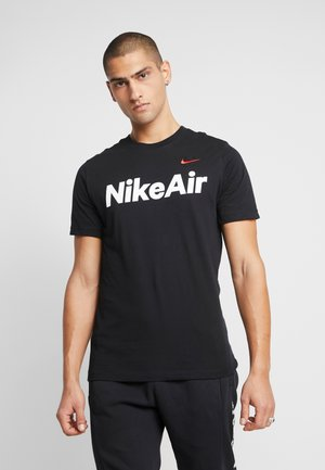 AIR TEE - Print T-shirt - black/university red