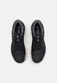 Nike Performance - ZOOMX INVINCIBLE RUN - Neutral running shoes - black/white/iron grey - 3