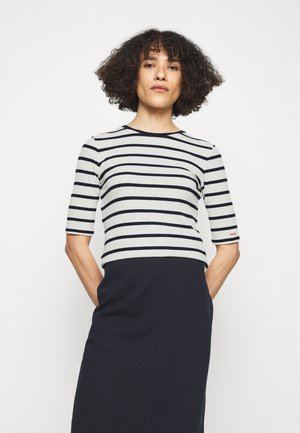 NILARA - T-shirt print - open blue
