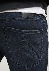 CHASIN' - EGO TRESS - Slim fit jeans - dark blue - 3