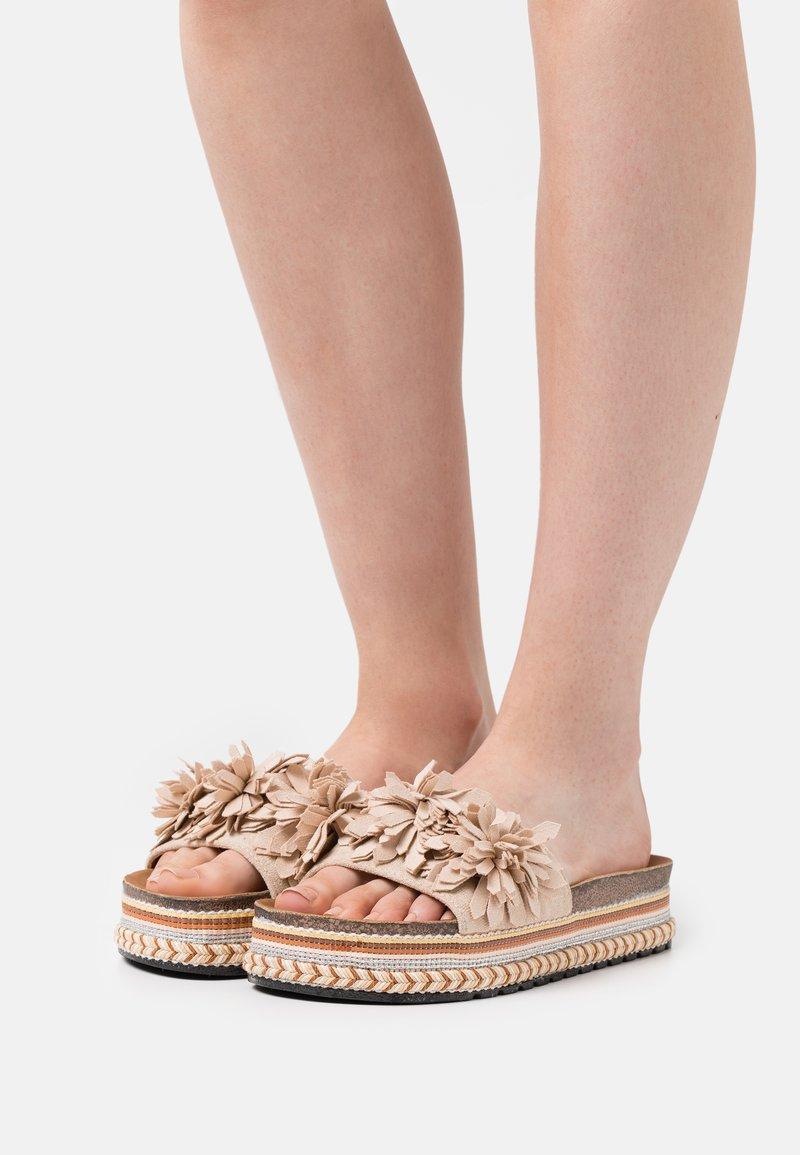 SassyClassy - Heeled mules - beige