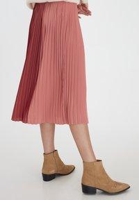 ICHI - A-line skirt - dusty cedar - 2