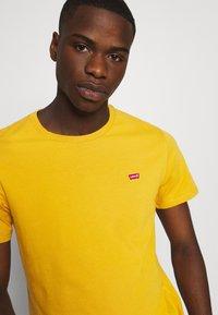Levi's® - ORIGINAL TEE - T-shirt - bas - cool yellow - 3