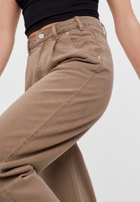 Bershka - Bukser - brown - 3