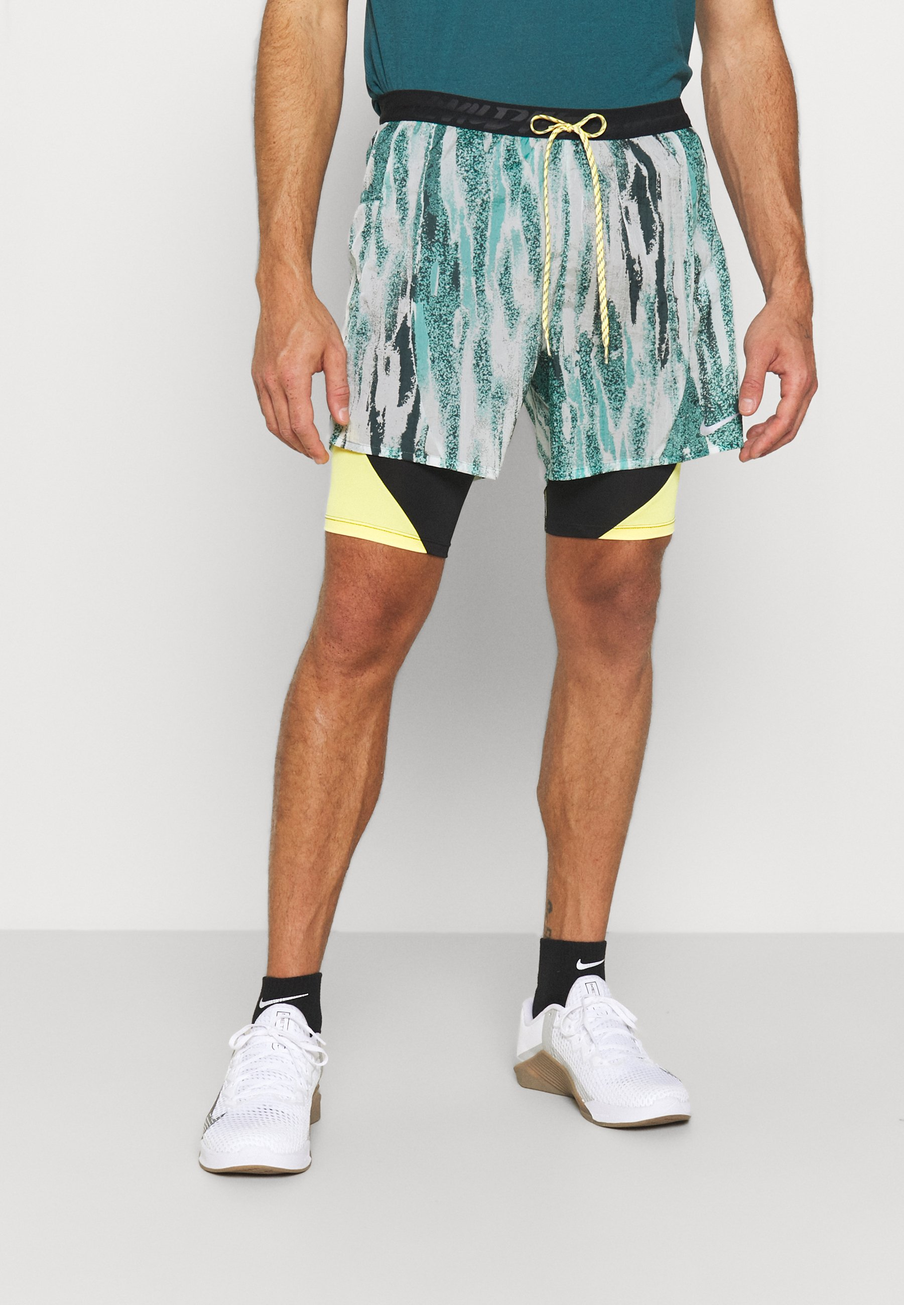 Herren FLEX STRIDE - kurze Sporthose