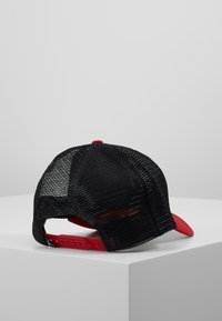 Jordan - TRUCKER - Lippalakki - gym red - 3