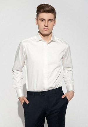 WEDDING SLIM - Koszula biznesowa - white