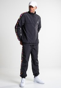 K1X - Training jacket - black - 1