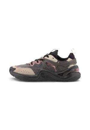 RISE - Sneakers laag - puma black-rosewater