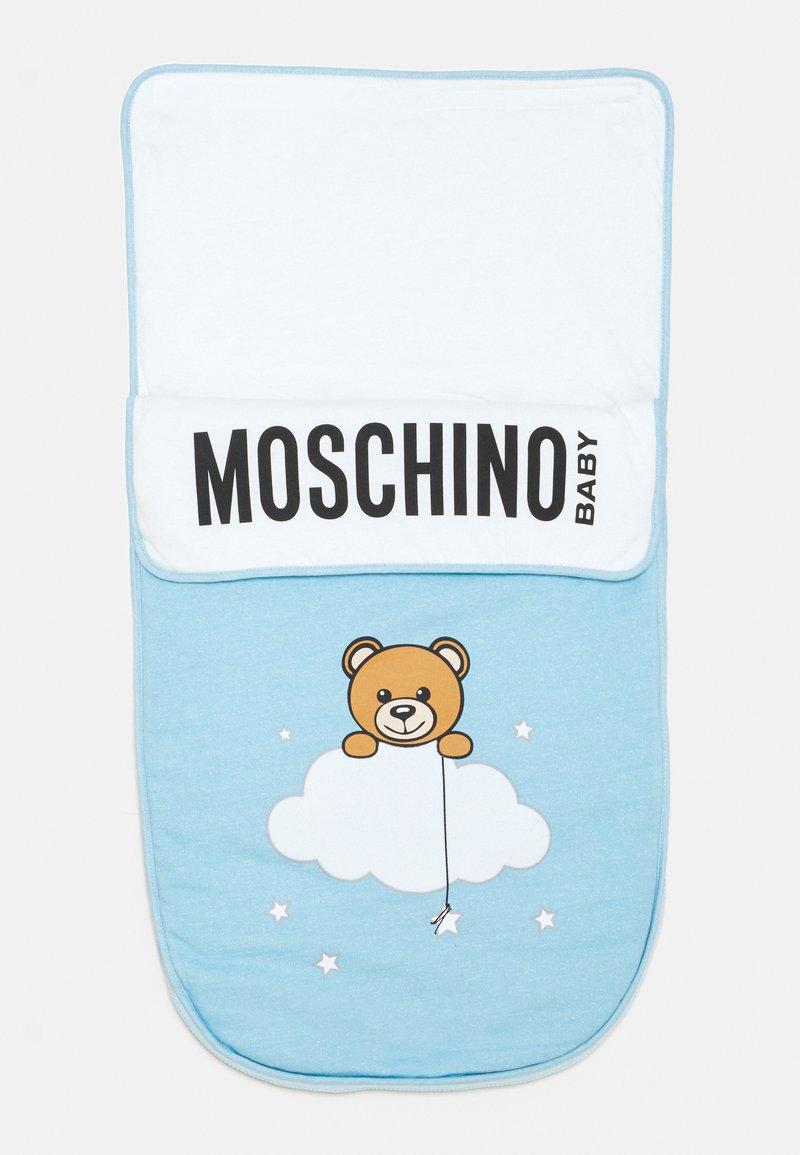 MOSCHINO - BABY NEST UNISEX - Footmuff - baby sky blue melange