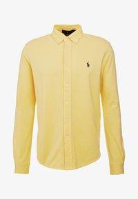 FEATHERWEIGHT MESH SHIRT - Shirt - empire yellow