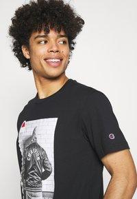Champion Rochester - CREWNECK - Print T-shirt - black - 3