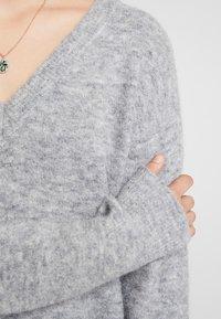 Carin Wester - JUMPER TEKLA - Stickad tröja - grey melange - 5