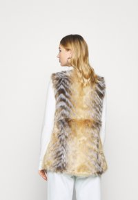 Missguided - CHEVRON TIPPED FUR GILET - Waistcoat - beige - 2