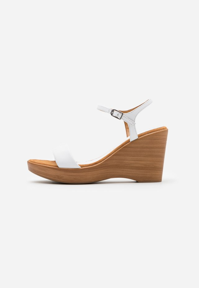 RITA  - Sandały na obcasie - white