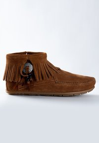 Minnetonka - CONCHO FEATHER - Classic ankle boots - cognac - 4