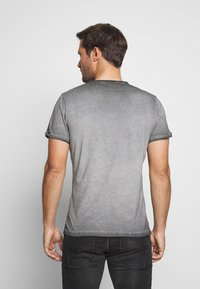 Key Largo - KNIGHT BUTTON - T-shirt con stampa - silver - 2