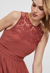 Vero Moda - VMVANESSA DRESS ANCLE - Suknia balowa - marsala - 4