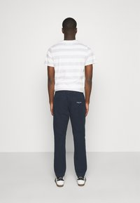 Tommy Jeans - SCANTON JOG PANTS - Pantaloni sportivi - twilight navy - 2