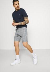Jack & Jones PREMIUM - JJICONNOR - Shorts - blue - 3