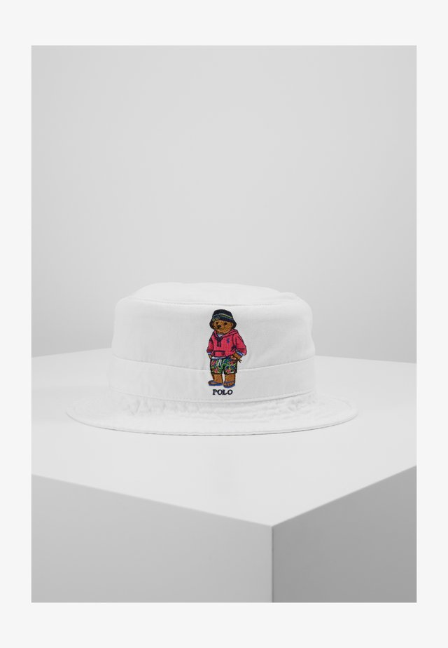 NEW BOND CHINO BUCKET - Hatt - white