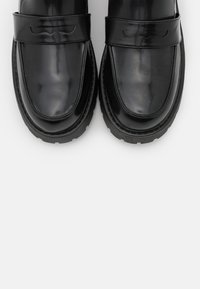 Monki - VEGAN JUNE LOAFER - Slip-ins - black dark - 4