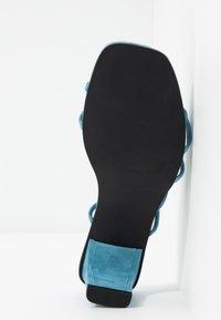 Vero Moda - VMSABINA  - Sandály s odděleným palcem - cyan blue - 6