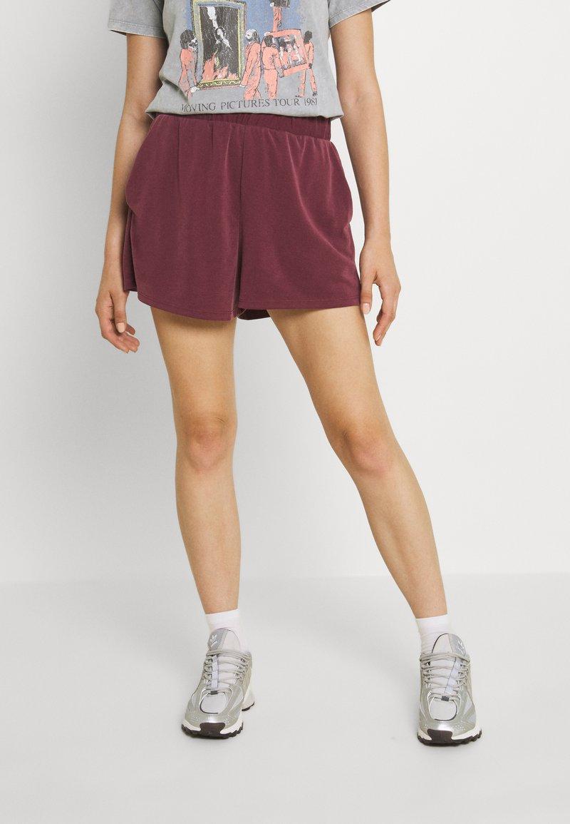 Monki - Shorts - red dark