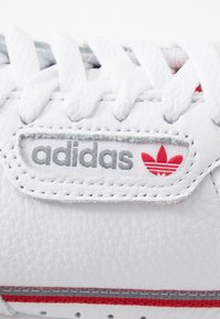 adidas Originals - CONTINENTAL 80 SKATEBOARD SHOES - Trainers - footwear white/grey three/scarlet - 5