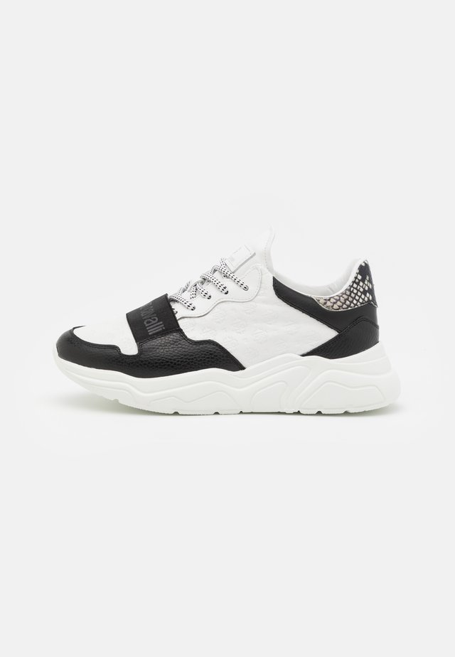 Trainers - white/black
