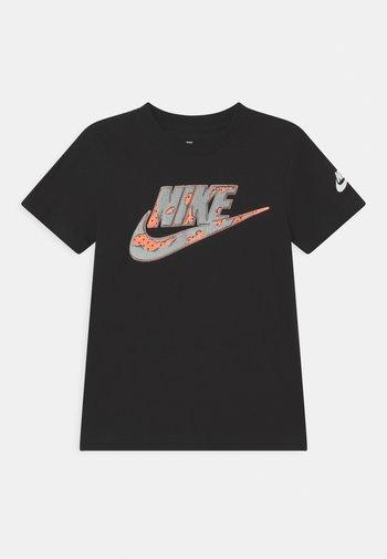 SHORT SLEEVE GRAPHIC - Camiseta estampada - black