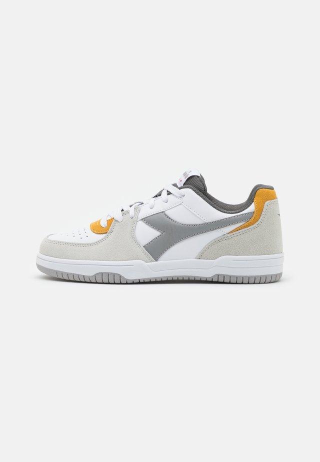 RAPTOR - Sneakers laag - white/saffron