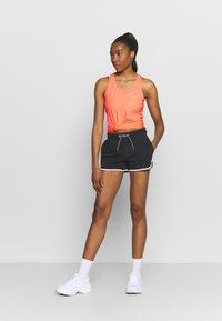 ONLY Play - ONPCLARISSA TRAINING - Treningsskjorter - neon orange - 1