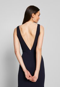 Missguided - BRIDESMAID SLEEVELESS LOW BACK DRESS - Společenské šaty - navy - 3