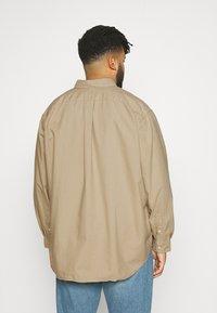 Polo Ralph Lauren Big & Tall - LONG SLEEVE SPORT SHIRT - Shirt - surrey tan - 2