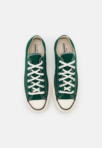 Converse - CHUCK TAYLOR ALL STAR 70 UNISEX - Sneakers - midnight clover/egret/black - 3