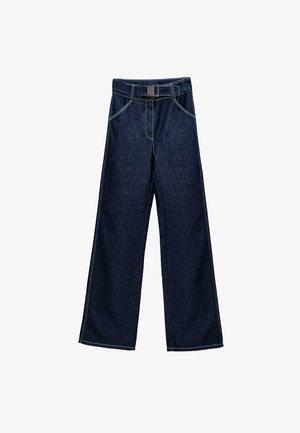 MIT ZAHLREICHEN STEPPNÄHTEN  - Bootcut jeans - blue denim