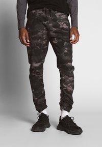 INDICODE JEANS - LAKELAND - Pantaloni cargo - grey - 0