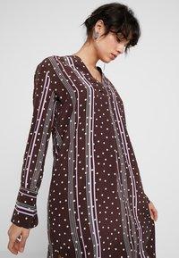 Levete Room - FREYA - Košilové šaty - french toast combi - 3