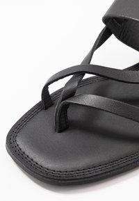 Shoe The Bear - TAO STRAP - T-bar sandals - black - 2