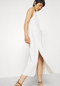 Stevie May - TULLY MIDI DRESS - Denní šaty - white - 3