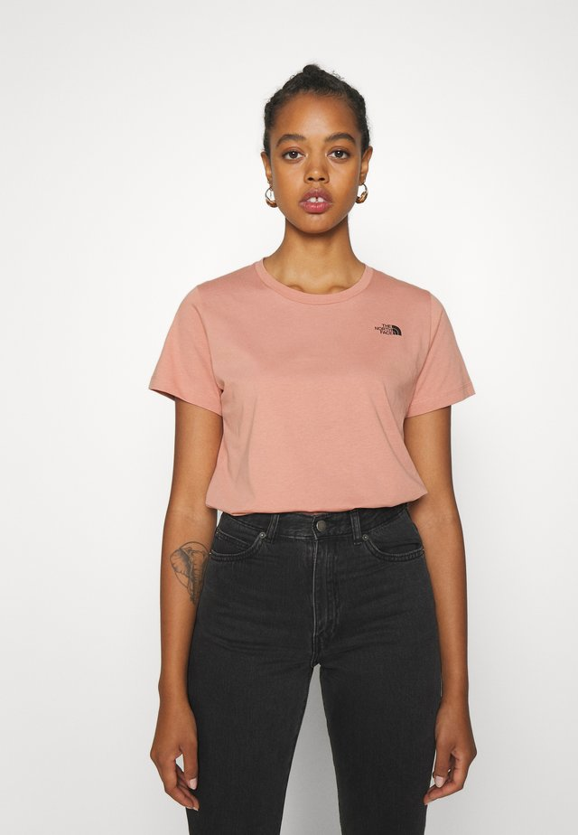 LETTER BACK TEE - Print T-shirt - pink clay/evergreen