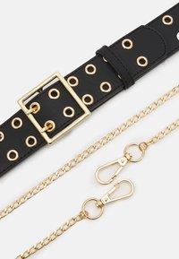 Pieces - PCLILA WAIST BELT - Waist belt - black/gold-coloured - 2