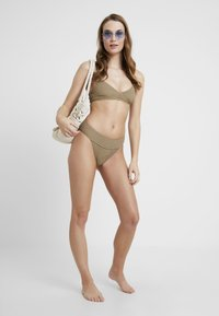 Topshop - LEG PANT - Bikiniunderdel - khaki - 1