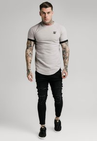 SIKSILK - RAGLAN TECH TEE - Print T-shirt - grey - 0
