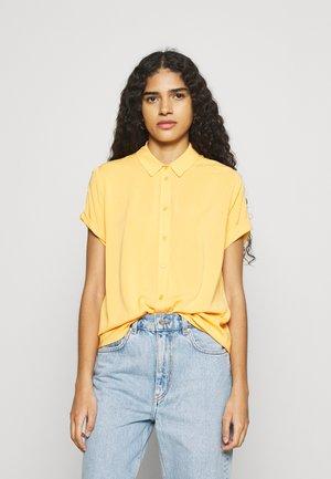 MAJAN SHIRT - Button-down blouse - jurassic gold